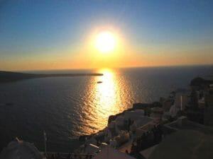 エーゲ海に沈み行く夕陽
